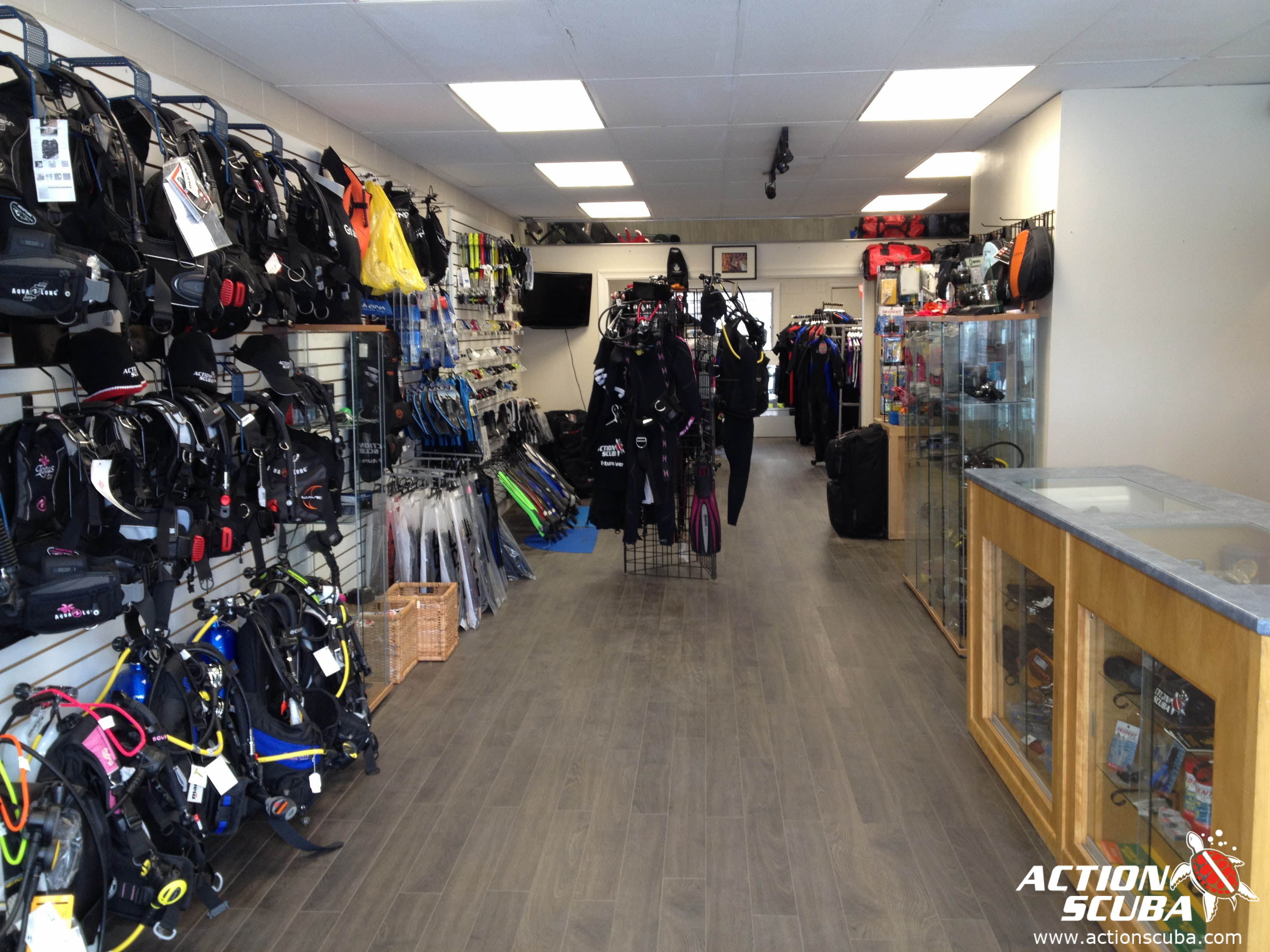 Action Scuba Montreal PADI dive shop